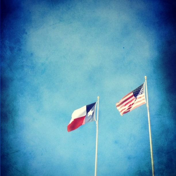 #Texas #flags #igTexas #iphonetx #America #freedom #usa #restoreAmerica #instagood #instamood #all_shots #InstaEffectFX