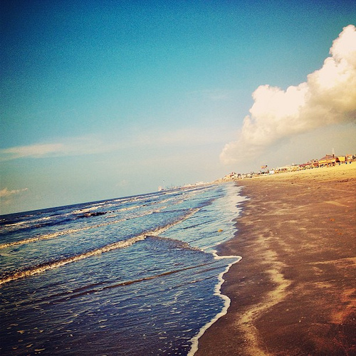 Galveston Seashore #beach #igtexas #sand #summer #thsc #fieldtrip #ocean #blue #sky