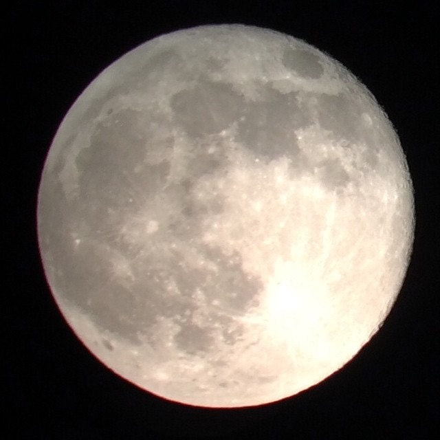 Moon via iPhone through Scope @sprittibee