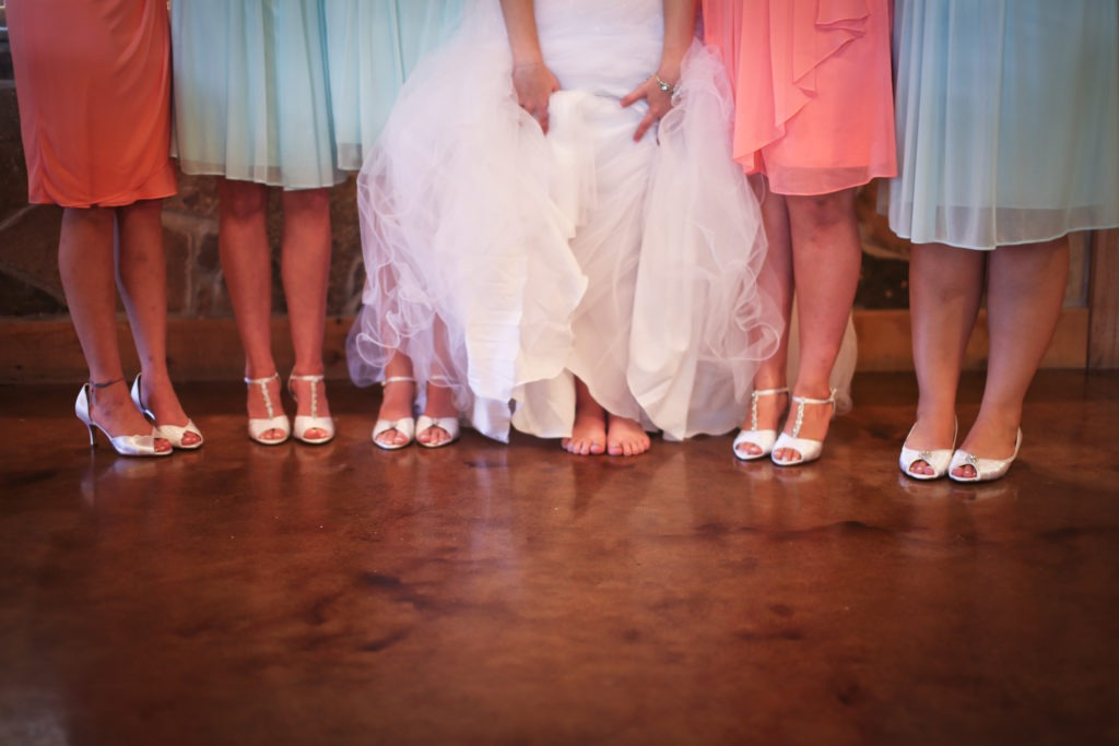 Barefoot Bride via Sprittibee Photography