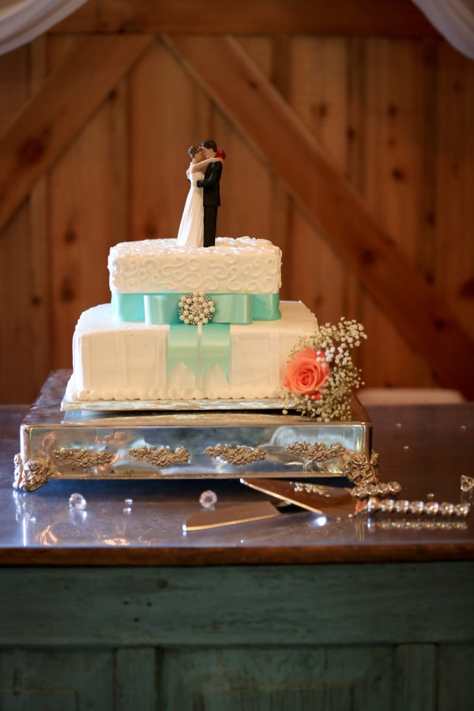 Wedding Cake Longview Texas via Sprittibee Photography