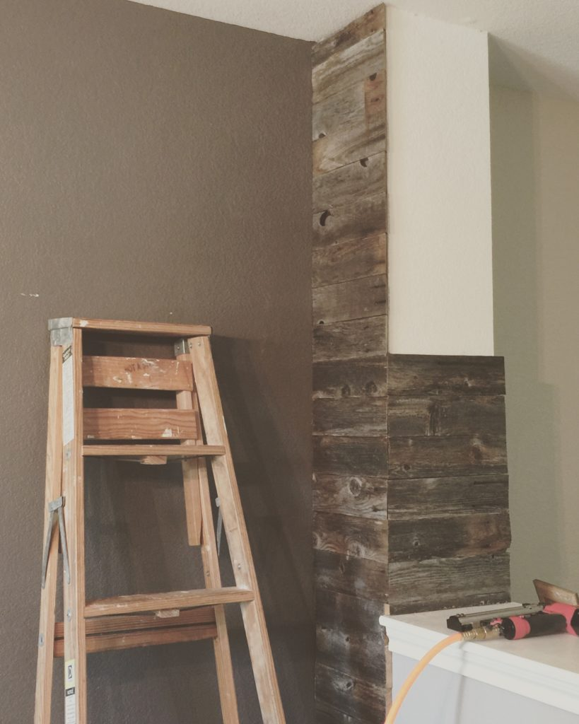 Cowgirl Reclaimed Wood Pillar DIY @sprittibee