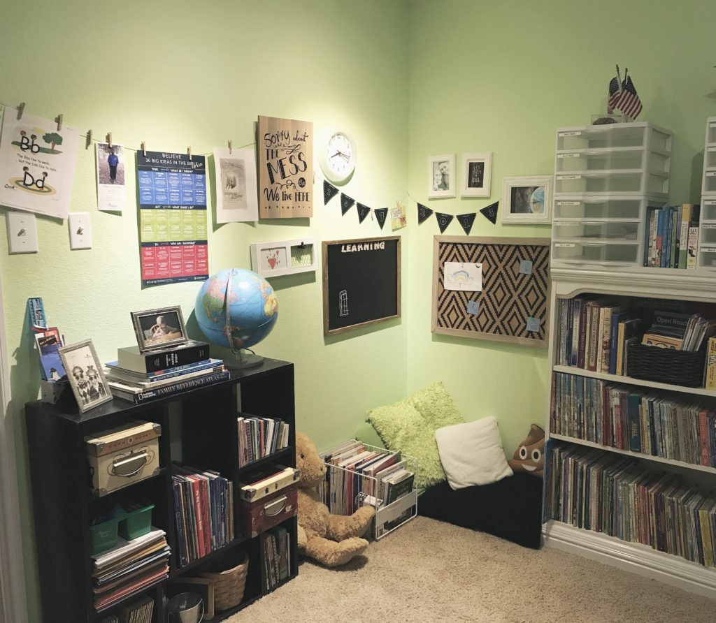 learning nook and homeschool gallery wall @sprittibee