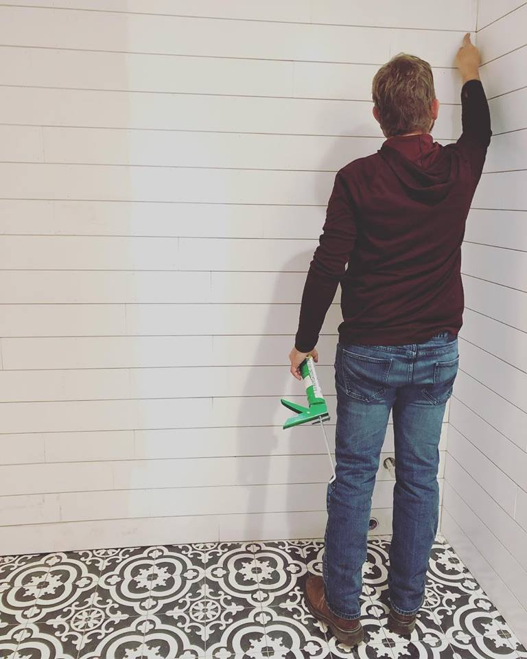 Patterned Black and White Tile and Shiplap Walls - small farmhouse bathroom renovation @sprittibee